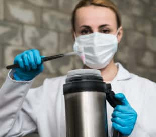 A liquid nitrogen bank containing suspension of stem cells. Cell culture for the biomedical diagnostic. Image: Elena Pavlovich/Shutterstock.com.