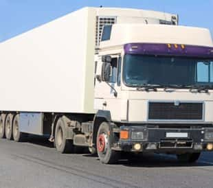 Refrigerated truck on the highway. Image: Vibrant Image Studio/Shutterstock.com