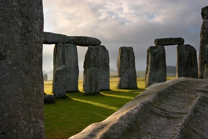 Analyzing Stonehenge with handheld XRF analyzers
