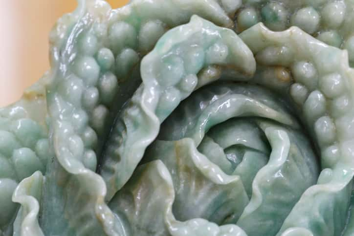 jade cabbage carving