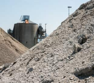 cement stockpile blending