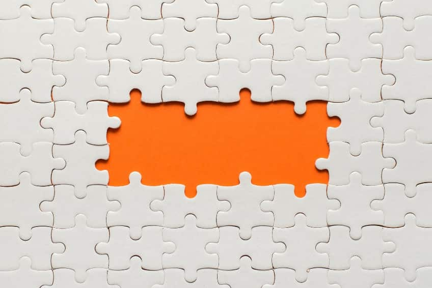 Puzzle with missing pieces, alluding to the missed data of incomplete failure analysis
